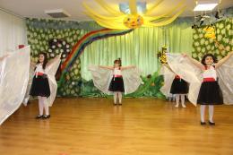 Dancing girls - ДГ 58 Слънчево утро - София